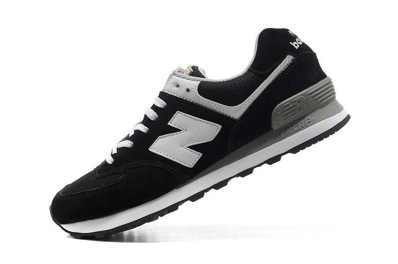 new balance noir foot locker
