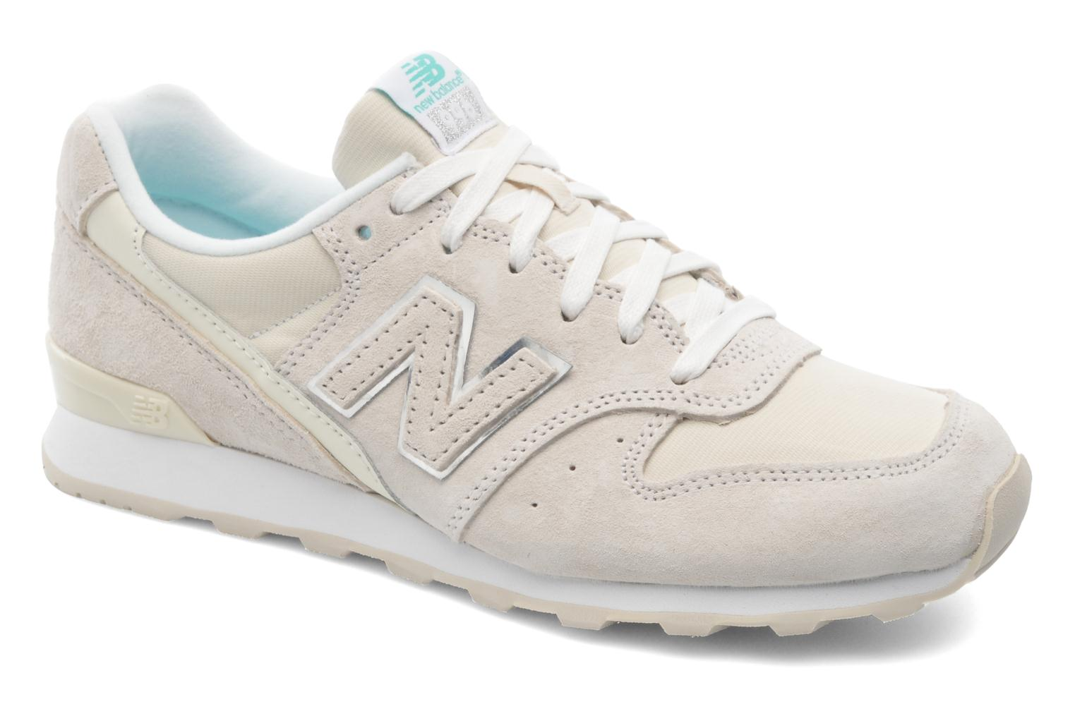 baskets new balance beige